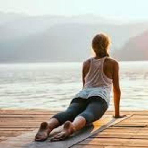 Pozdrav slnku - surya namaskar ako základný prvok jógy