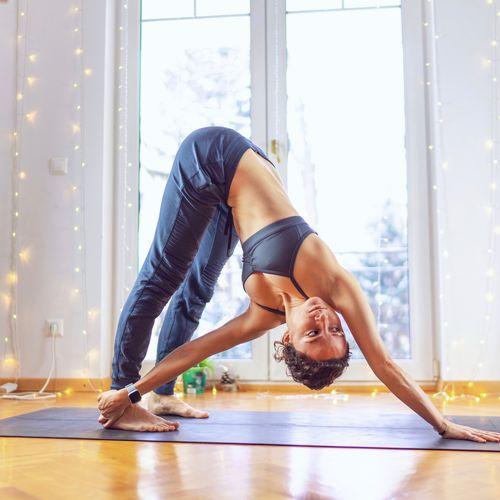 Základné pozície v joge s Lenkou Minarikovou, 26.9.