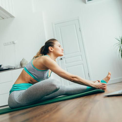Prečo cvičiť jogu aj doma?